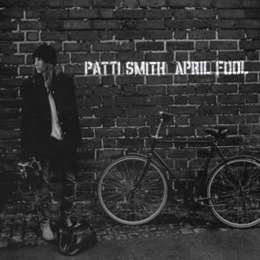 http://www.twentyfourbit.com/wp-content/uploads/2012/04/Patti-Smith-Banga.jpg